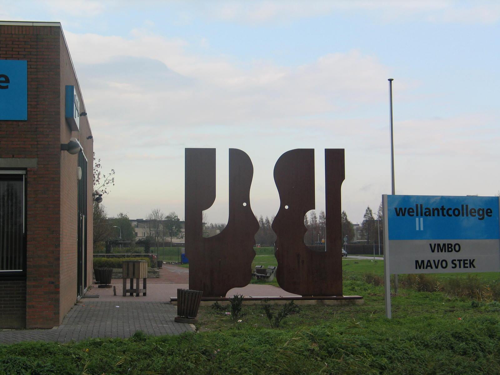 Beeld voor school Dordrecht - Rein Dool, 4x5 meter hoog. cortenstaal 2005