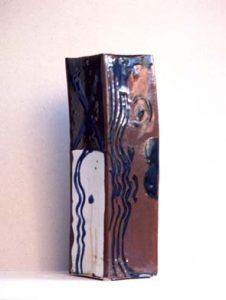 Vaas vierkant - Rein Dool, 44 cm hoog. keramiek 1996